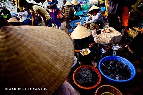 Hoi An Market - Copyright Aaron Joel Santos