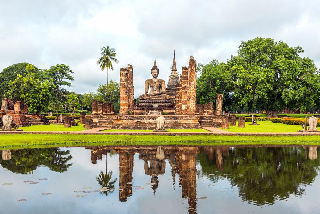 Sukhothai-Sukhothai Historical Park-Wat Mahathat (วัดมหาธาตุ) 9071PA-1