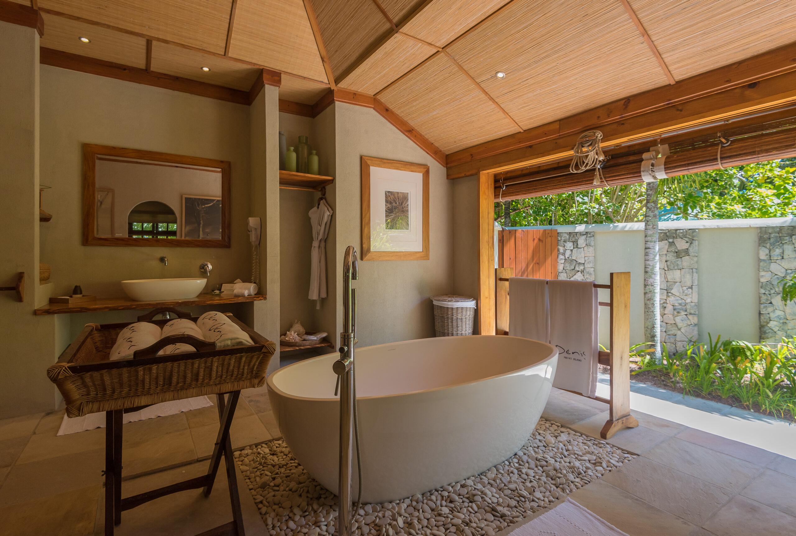 Beach Villa Bathtub